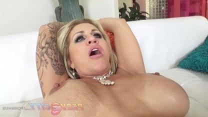 Анальный секс для зрелой дамы Раян Коннер стал лучшим способом наслаждения