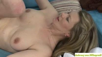 Товарищ примял плечи зрелой дамы и устроил с ней секс ради отдыха