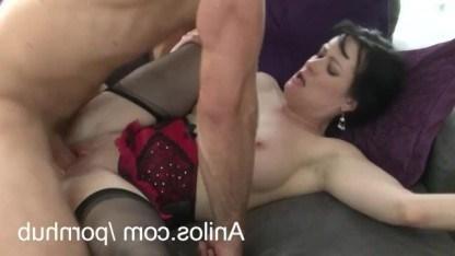 Зрелая шалунья красиво соблазняла партнера и занялась с ним лучшим сексом