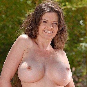 порнозвезда June Summers (Джун Саммерс)