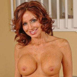 порнозвезда Tara Holiday (Тара Холидей)